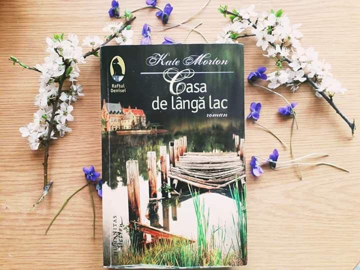 """Recenzie: """"Casa de lângă lac"""" de Kate Morton"""