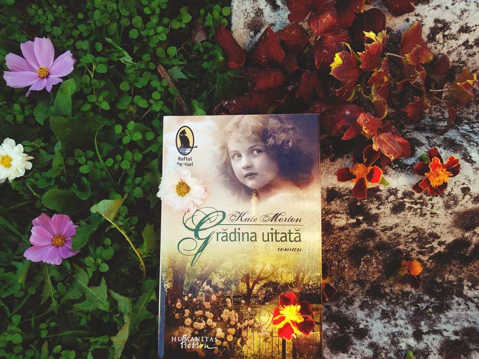 """Recenzie: """"Grădina uitată"""" de Kate Morton"""